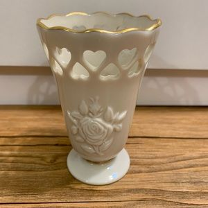 Lenox Heart cut out small vase-Perfect!